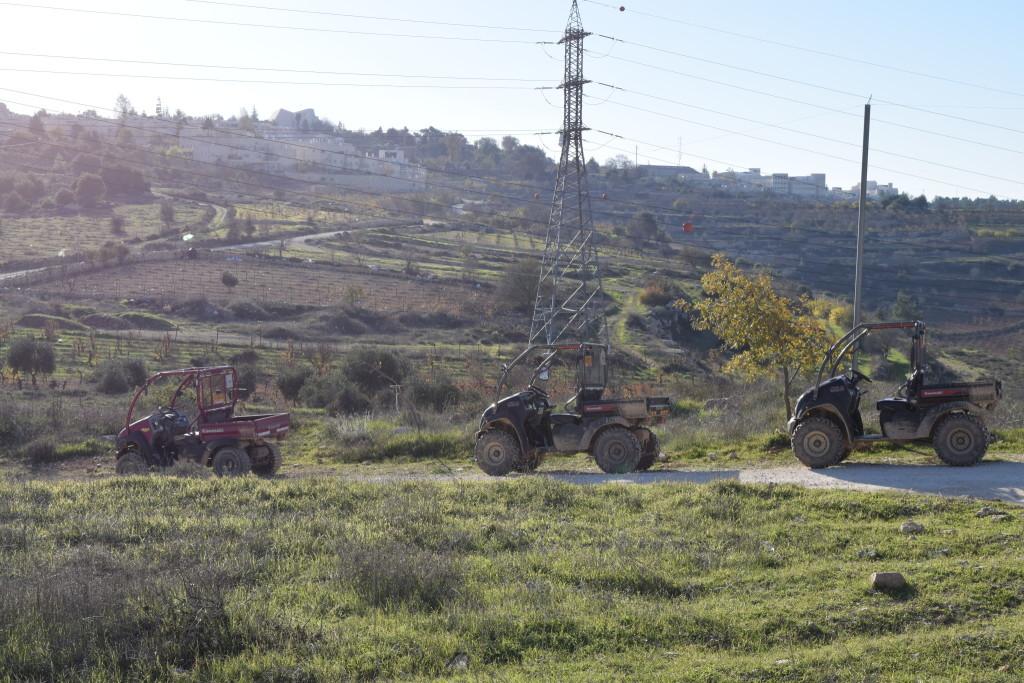 טרקטורוני גוש עציוןRiders enjoy the scenery easily accessible only via vehicles and guides provided by ATV Gush Etzion.